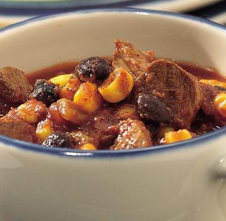 خوراک گوشت اسپایسی و لوبیا چیلی