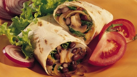 ساندویچ لوبیا و سبزیجات