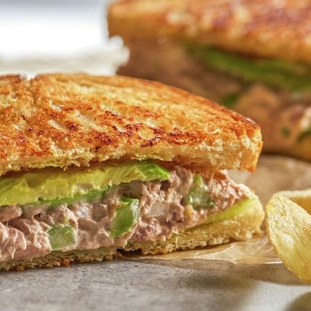 ساندویچ سالاد تن